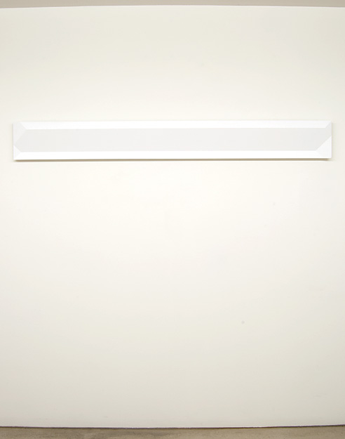 Andreas Christen / Untitled  2002  20 x 172 x 4 cm MDF-plate, white paint sprayed