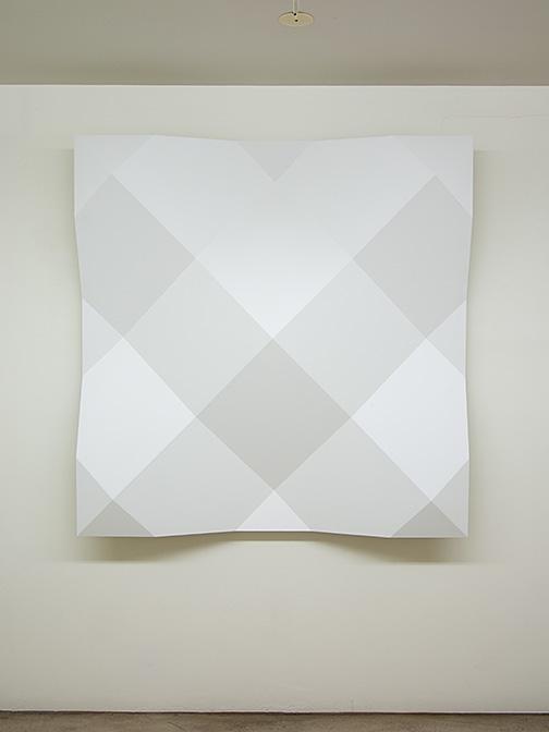 Andreas Christen / ohne Titel  1998  140 x 140 cm MDF-Platte, weiss gespritzt