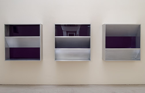 Donald Judd / Untitled (82-12)  1982  100 x 100 x 32 cm aluminium and purple plexiglass (3 parts)