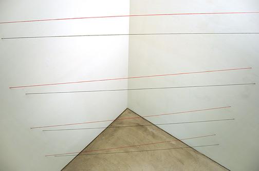 Fred Sandback / Untitled (Sculptural Study, Eight-part Horizontal Corner Construction) ca. 1972/2007 342.9 x 348 x 165 cm red and black acrylic yarn FLS2541