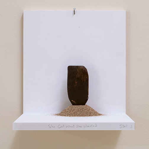 Richard Tuttle / She Got What She Wanted     Stars #3  2019  14.5 x 13 x 10.5 cm painted wood and sand