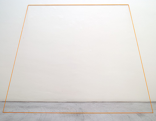 Fred Sandback / Untitled  1968  203.2 x 274.3 cm orange elastic cord