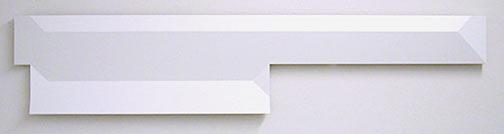 Andreas Christen / Ohne Titel  2005 24 x 116 cm MDF-Platte, weiss gespritzt (Nuvovern DS 10.1)